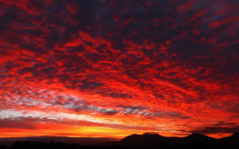 NZEL06_716-ciel-de-feu-1920x1200