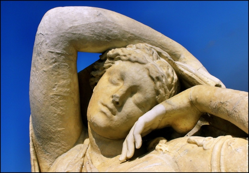 ,statue,statue-de-femme