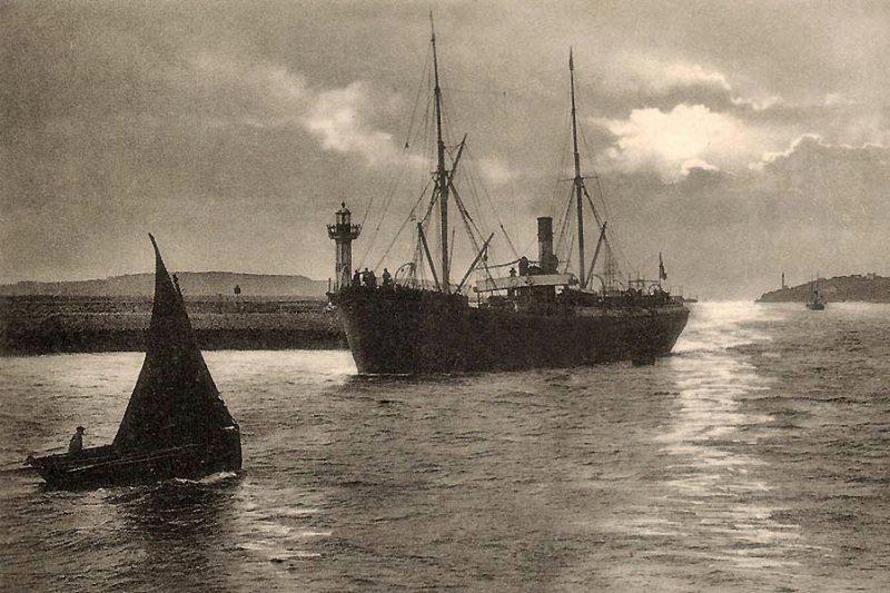 Vapeur-entrant-a-Brest
