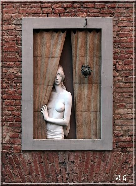 Azala-s---Statue-Dame---la-fen-tre---Sienne