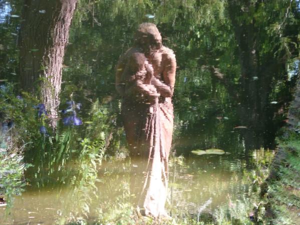 reflet statue