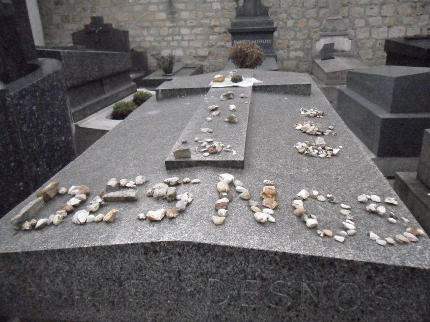 tombeau Desnos [1280x768]