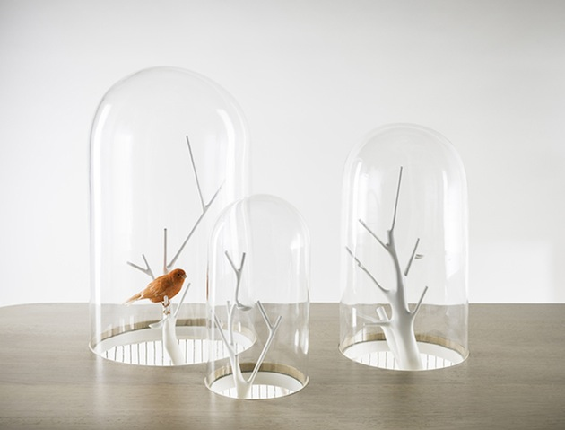 Stage-Your-Pet-Bird-In-the-Archibird-Cage-Table-3