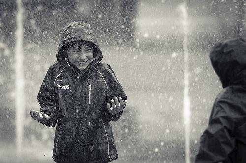 Enfant_sous_la_pluie-1406