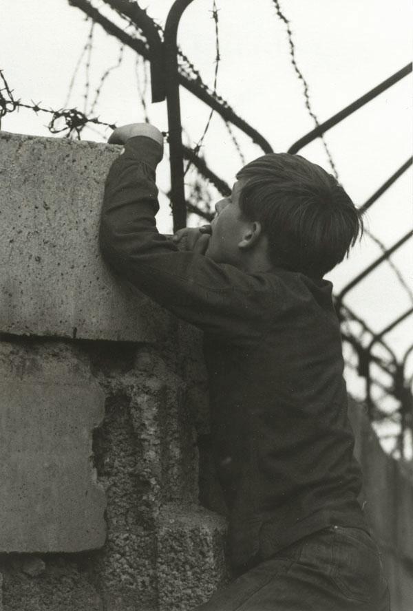 mur-berlin-garcon-01-280x210