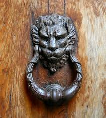 heurtoir lion porte