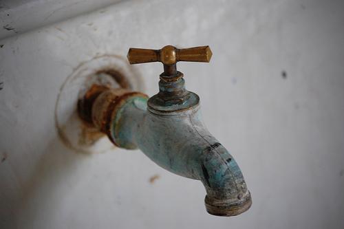 vieux robinet 7a