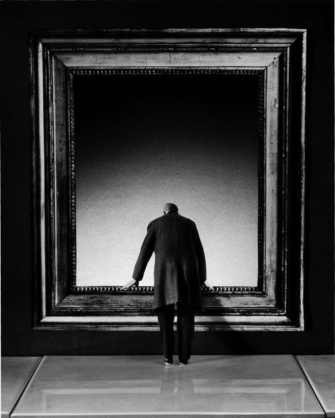 Gilbert Garcin l-attraction-du-vide_300 [800x600]