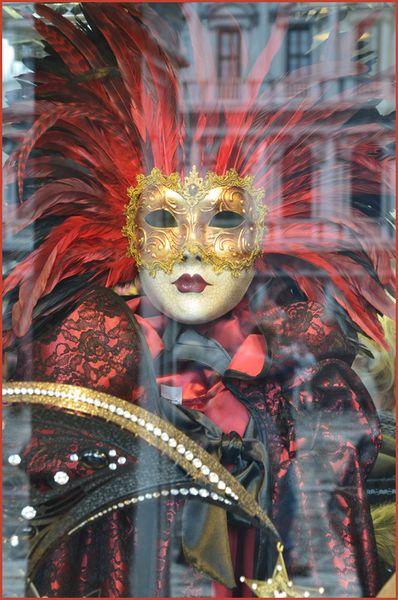 masque-venise_rouge-800x600