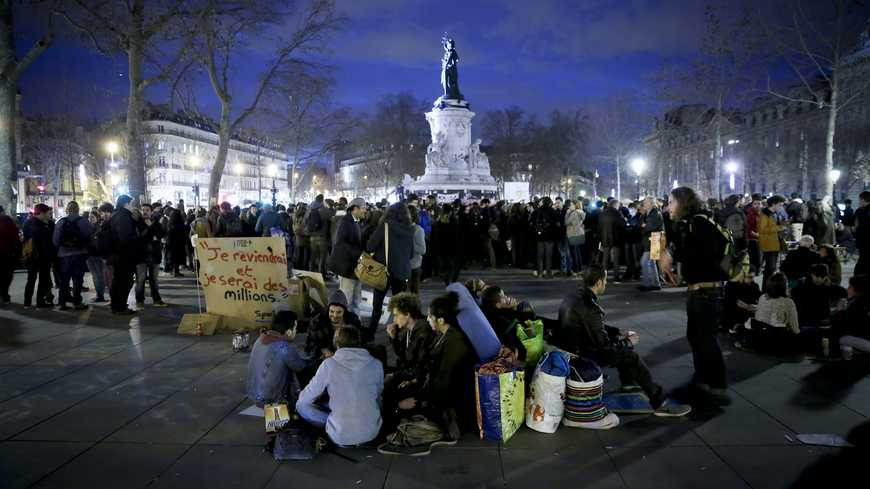 ©Thomas Padilla/MAXPPP - Paris FRANCE 04/04/2016 ; RASSEMBLEMENT A L' APPEL DU MOUVEMENT NUIT DEBOUT PLACE DE LA REPUBLIQUE. (MaxPPP TagID: maxnewsworldthree995441.jpg) [Photo via MaxPPP]